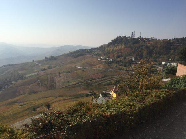 italiainpiega-pieghe meravigliose-itinerari moto nord italia-langhe-la morra