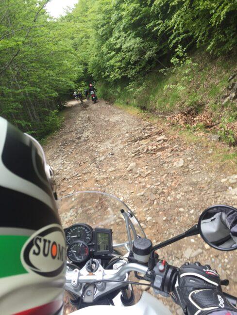 italiainpiega-pieghe meravigliose-itinerari moto centro italia-passo della croce arcana-salita 1