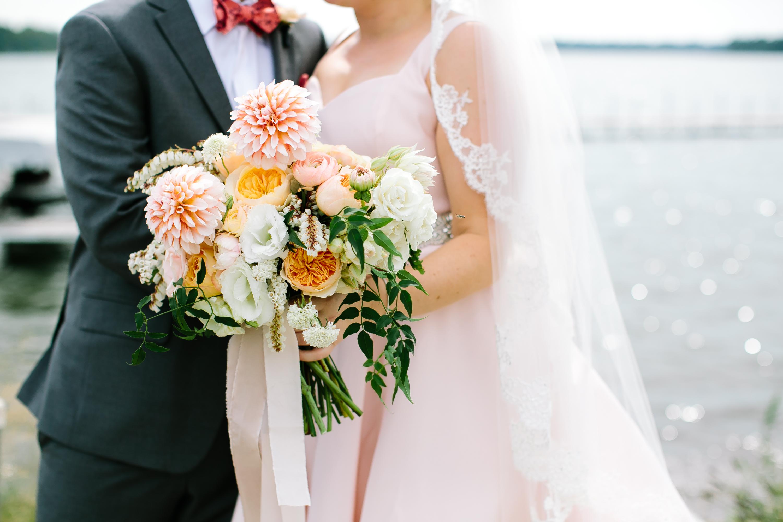 Summer Wedding: Laura & Chad   White Bear Yacht Club