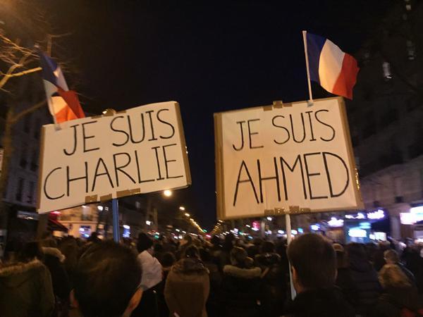 """Nas ruas europeias todo mundo segue gritando """"Je suis Charlie"""", mas quem é Charlie? Crédito: Tim Chester, 11/01/2015"""