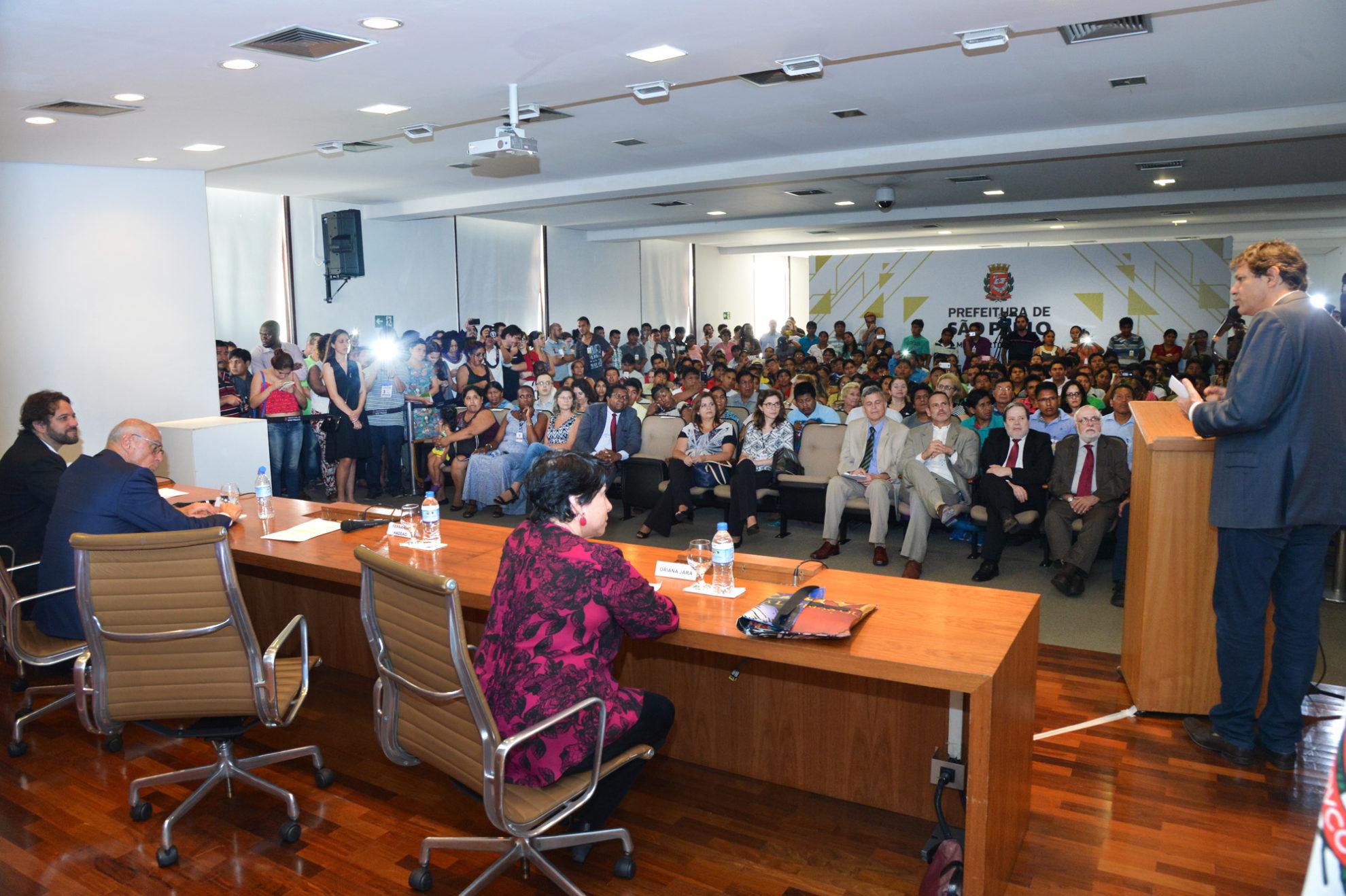 Auditório na sede da Prefeitura de São Paulo ficou lotado para o ato. Crédito: Fernando Pereira/SECOM