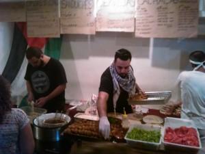 No evento era possível saborear pratos típicos do Congo e da Síria. Crédito: Géssica Brandino