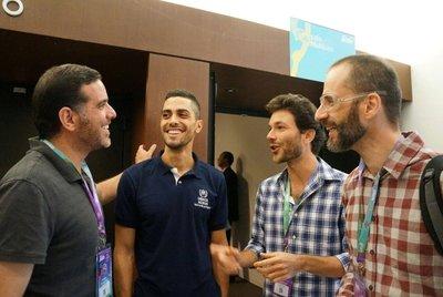 Conversa no Festival Path deu origem ao Creathon. Da esq para direita: Talal (Síria), Vinicius (ACNUR), Jonathan (Migraflix) e Cazé (mediador da mesa). Crédito: D. Chrispim/ACNUR