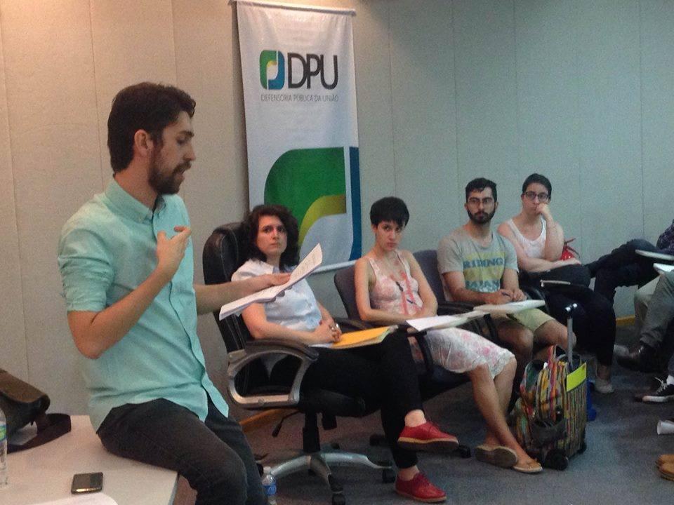 Vitor Lopes frisou ser urgente a capacitação acerca de questões de gênero e sexualidade para funcionários que atendem diretamente imigrantes e solicitantes de refúgio. Crédito: Fabio Ando Filho