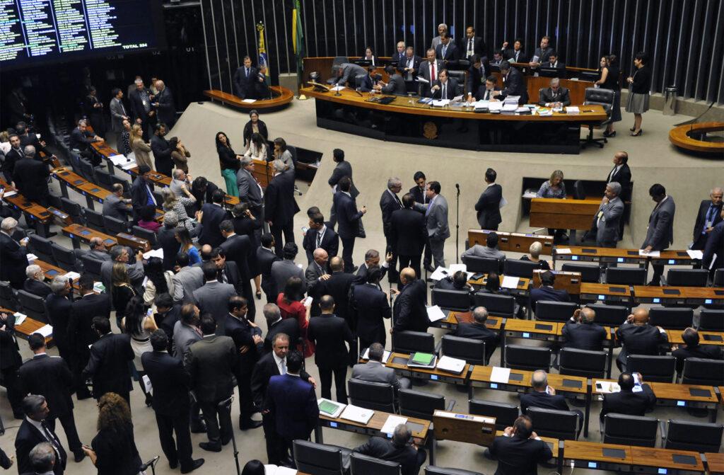Deputados aprovaram em Plenário projeto que define direitos e deveres do migrante e do visitante no Brasil. Crédito: Luis Macedo/Câmara dos Deputados