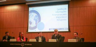 Cartilha orienta migrantes e refugiados sobre como abrir conta em banco no Brasil