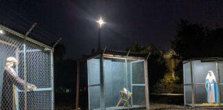 Igreja evangélica monta presépio com Jesus 'enjaulado'