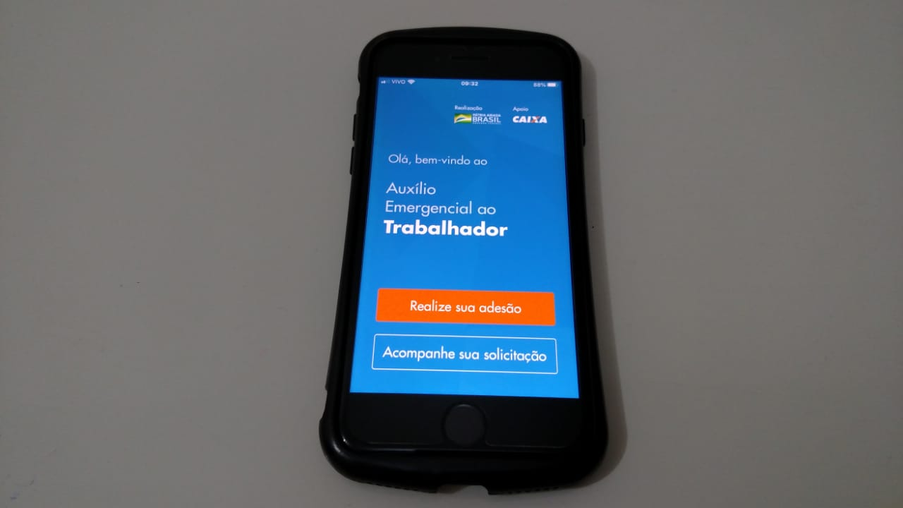 Site e app do auxílio emergencial estão no ar; benefício se estende a imigrantes e refugiados