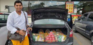 Doações arrecadadas por Fernando Castro e amigos, entregues para imigrantes em situação vulnerável em Brusque (SC)