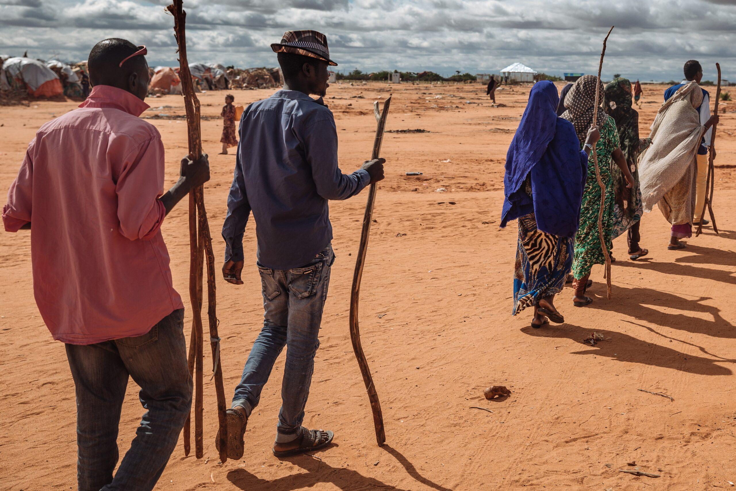 Deslocados internos chegam a campo em Doloow, Somália. Questões climáticas devem elevar deslocamento forçado mundo afora