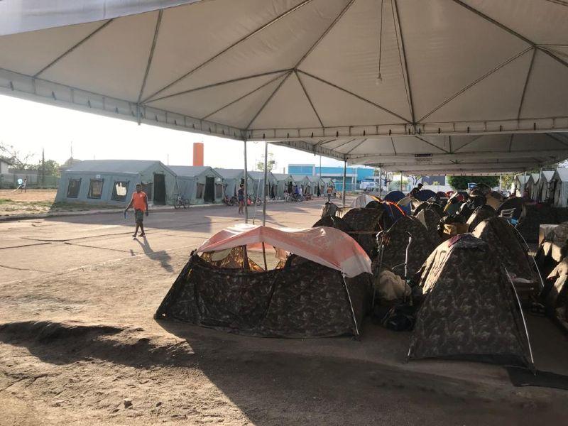 Barracas usdas por venezuelanos nas proximidades da rodoviária de Boa Vista (RR). Pandemia agravou situação de vulnerabilidade da comunidade migrante do país vizinho. (Foto: DPU)