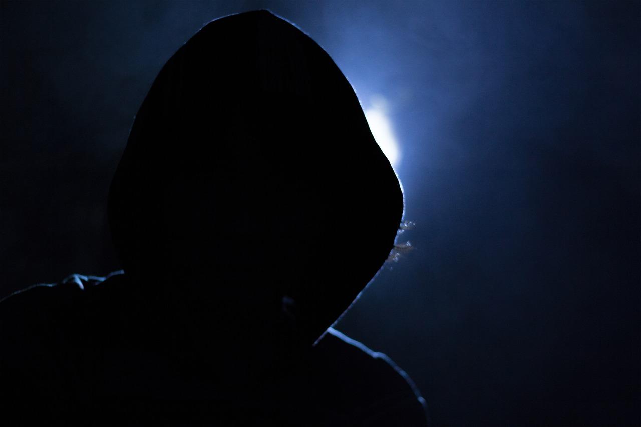 Ataques anônimos online contra eventos sobre migrações vão se tornando frequentes