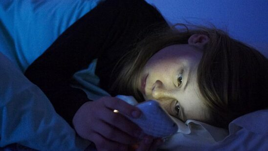 How Smartphone Light Affects Your Childs Brain and Body