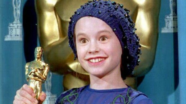 11-year Old Anna Paquin Wins Best Supporting Actress
