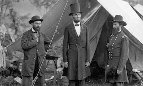 Lincoln used his top hat to store docs