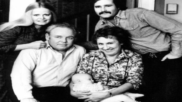 The Opening Theme Pays Homage to All In The Family