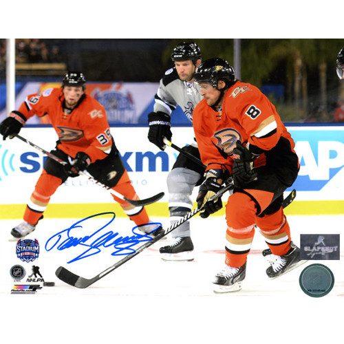 Teemu Selanne Anaheim Ducks Signed 8X10 Stadium Series Photo