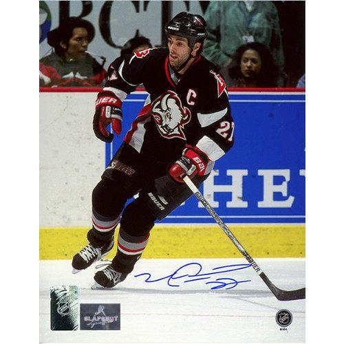 Mike Peca Sabres Captain Autographed 8x10 Photo