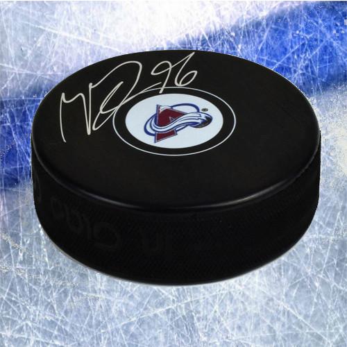 mikko-rantanen-colorado-avalanche-autographed-hockey-puck