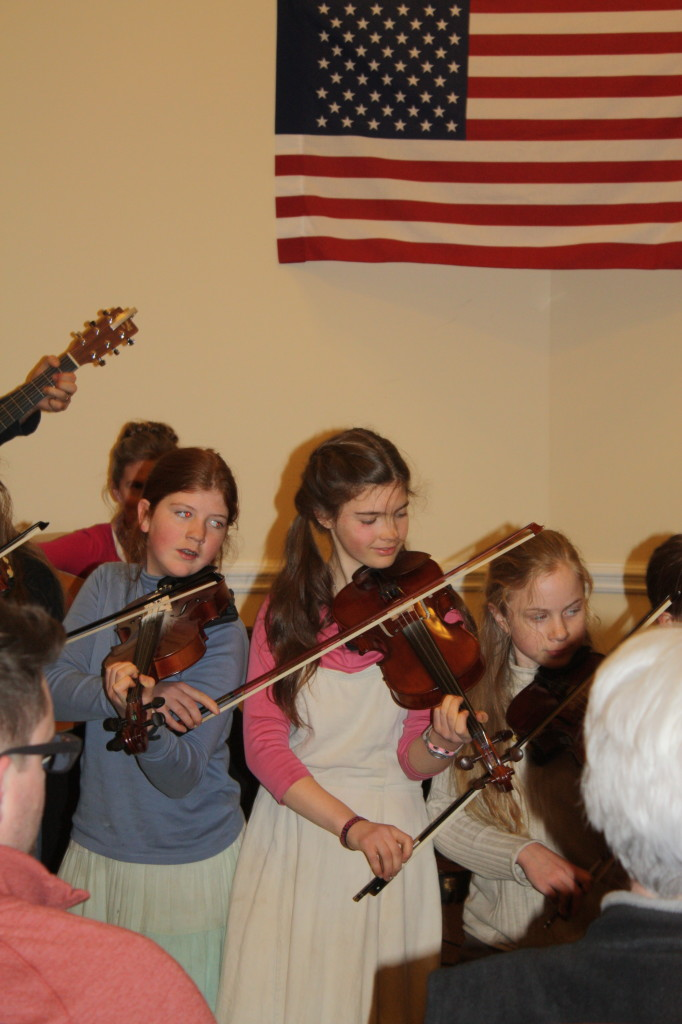 Online Fiddle Lessons at BluegrassDaddy.com. Subscribe for bluegrass, celtic, old-time, gospel and country fiddle.