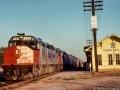Amtrak_SDP40F_0529_Train_16_Pauls_Valley_OK_08-17-74