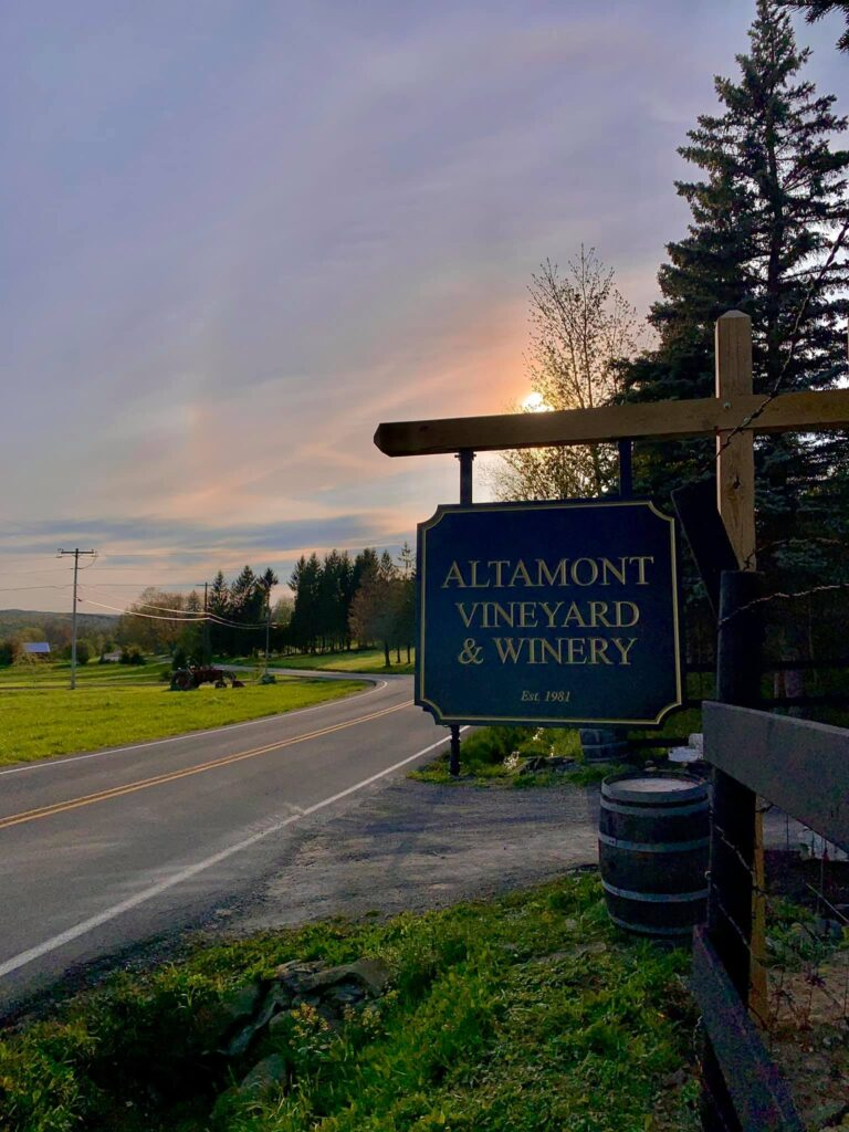 Altamont Winery sign