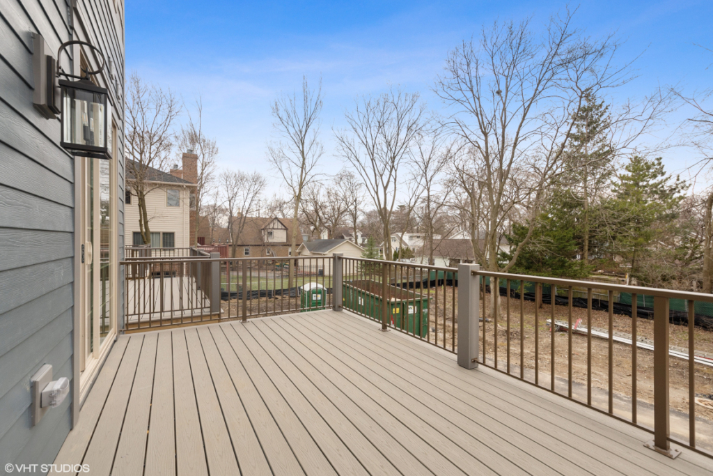 Elm Street Place Luxury Townhome Rentals Deerfield IL - Deck