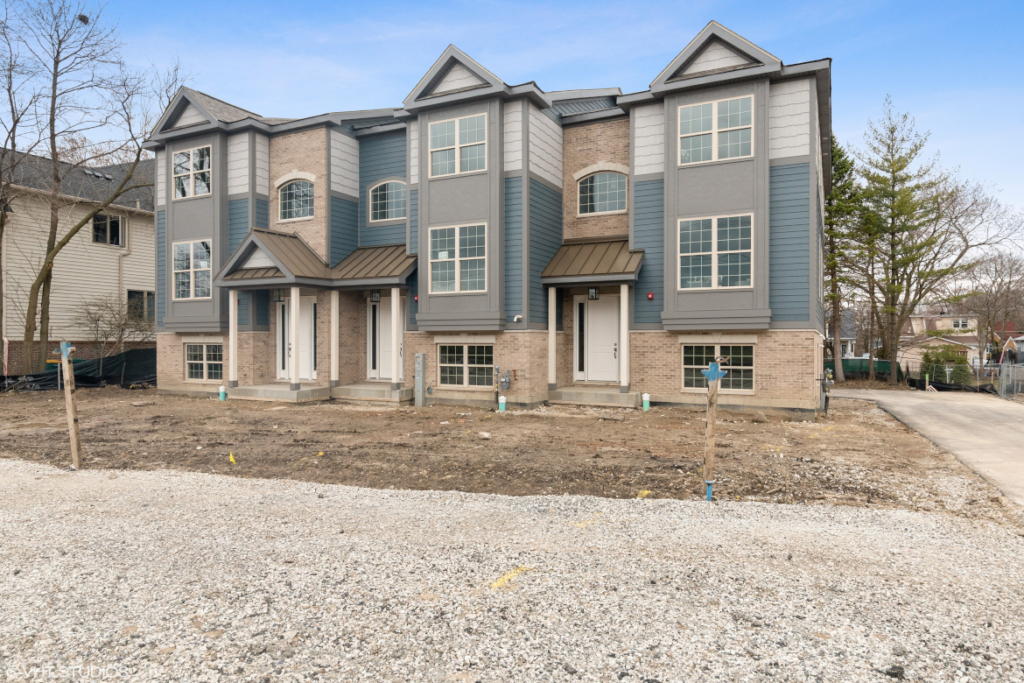 Elm Street Place Luxury Townhome Rentals Deerfield IL - Exterior