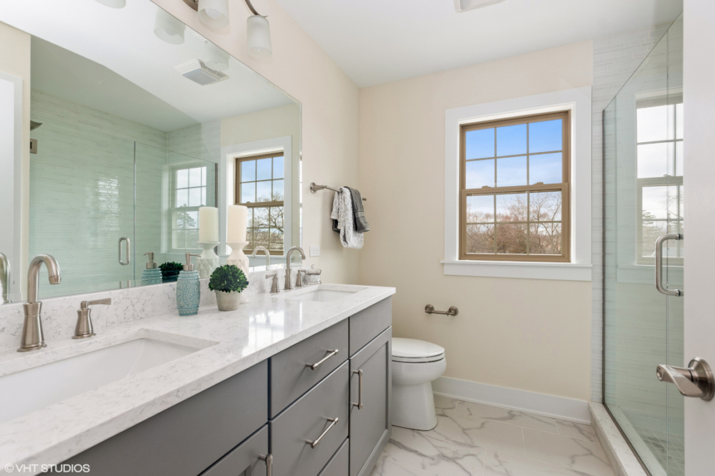 Elm Street Place Luxury Townhome Rentals Deerfield IL - Master Bathroom