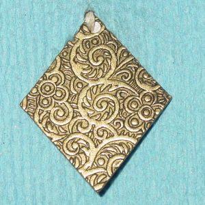 Pattern #28243 – Floral Pattern on Diamond Shape (flat solid 1-pc.)