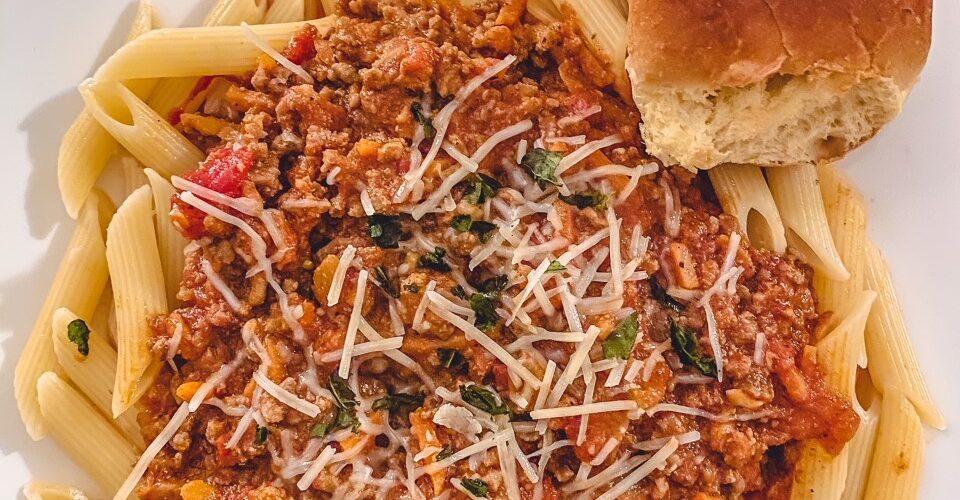 Lets Eat: Homemade Bolognese Sauce Recipe