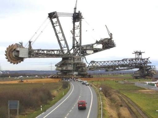 German renewables - Massive-Bucket-Excavator-2