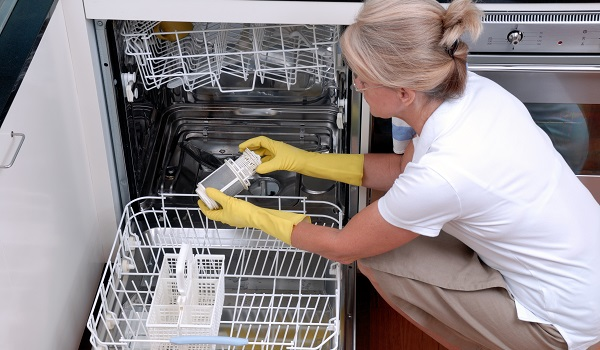 maytag dishwasher leaves food particles on dishes