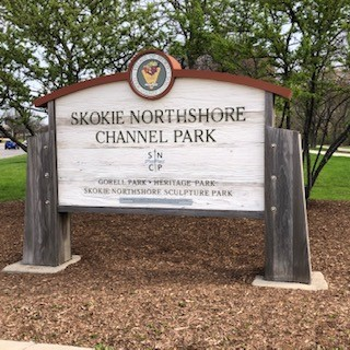 Geocaching in Skokie with Top 10 List