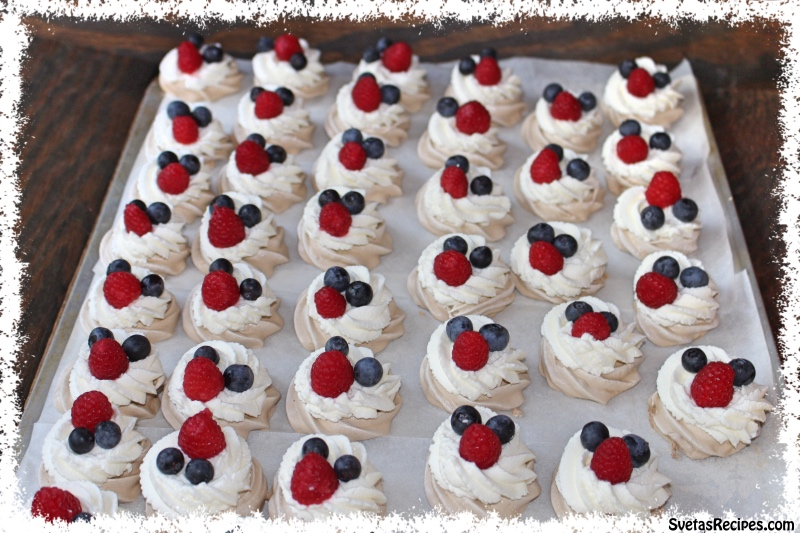 Blueberry Chocolate Mini Pavlova (Шоколад Міні Павлова)