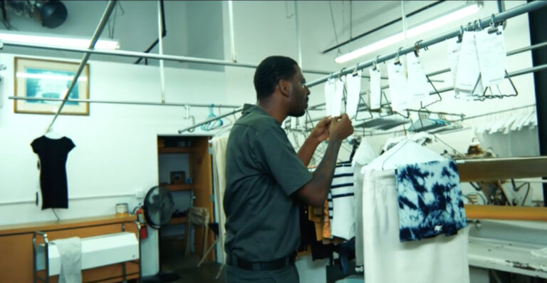 """[Watch] Young Dolph's Video For """"Hold up Hold up Hold up"""" Is Out Now"""