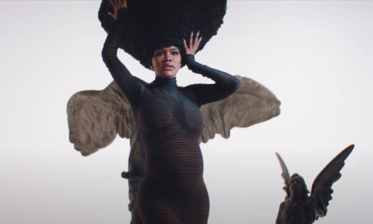 """[Watch] Teyana Taylor Recruits Elton John For New Video """"Lose Each Other"""""""