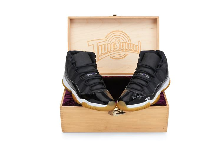 """Michael Jordan's Original """"Space Jam"""" Shoe Is Being Auctioned With A Current Bid of $100K"""