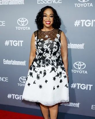 Shonda Rhimes Inks $300 Million Contract With Netflix