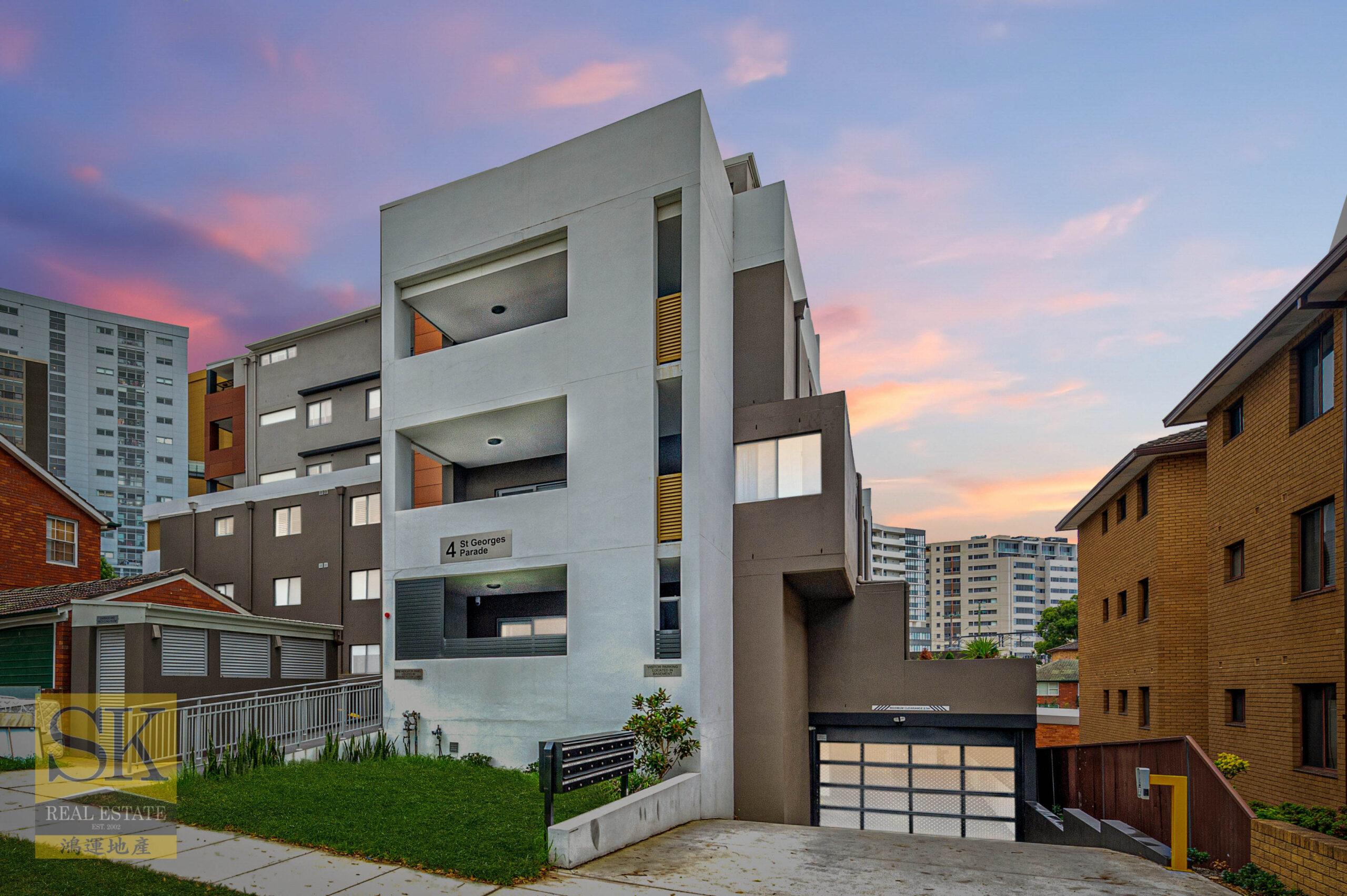 Full Brick Apartment In A Ultra Convenient Location!
