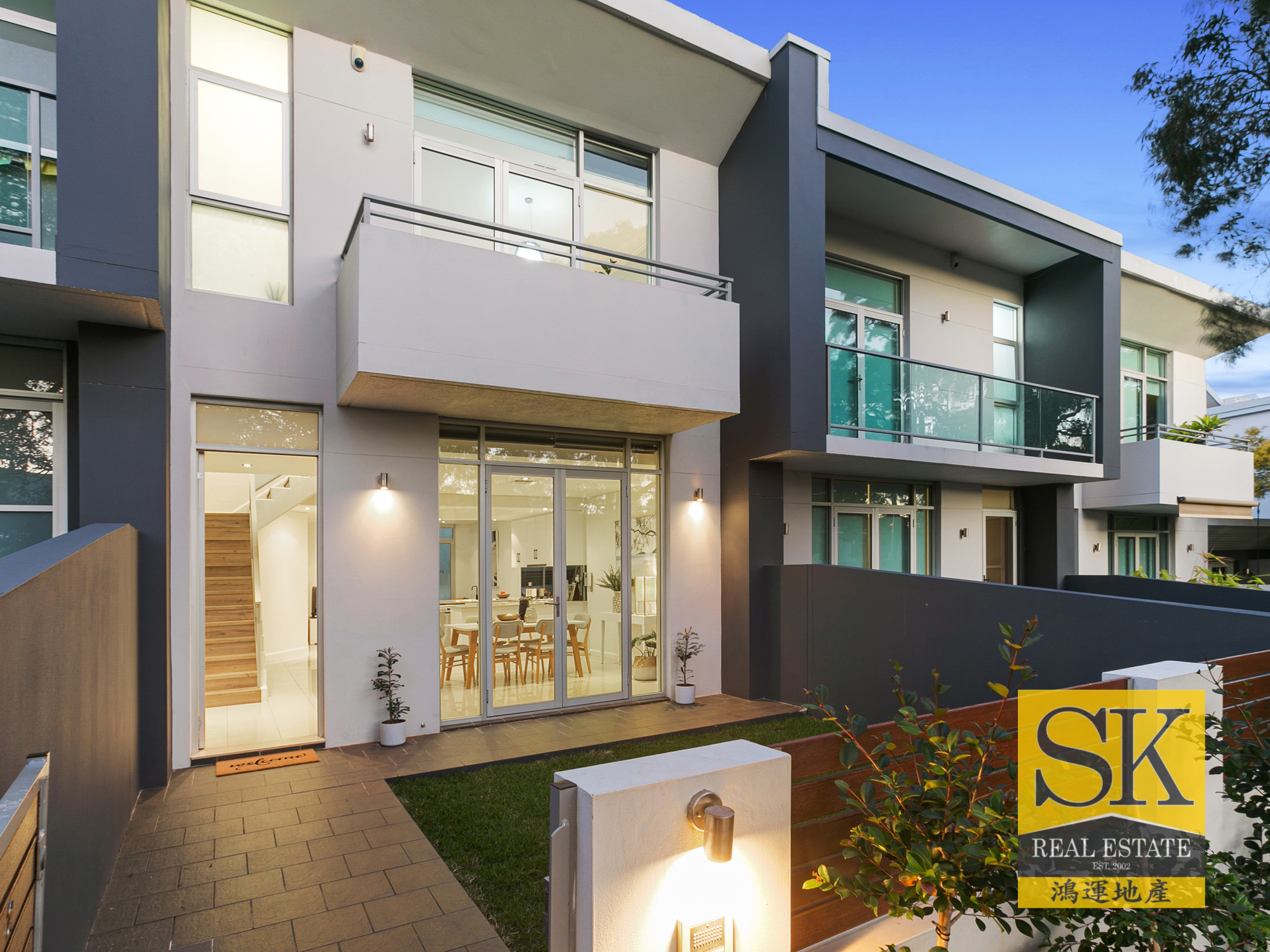 Modern Townhouse Offering Easy-Care Family Living