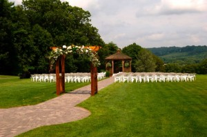 outdoor-wedding-venue
