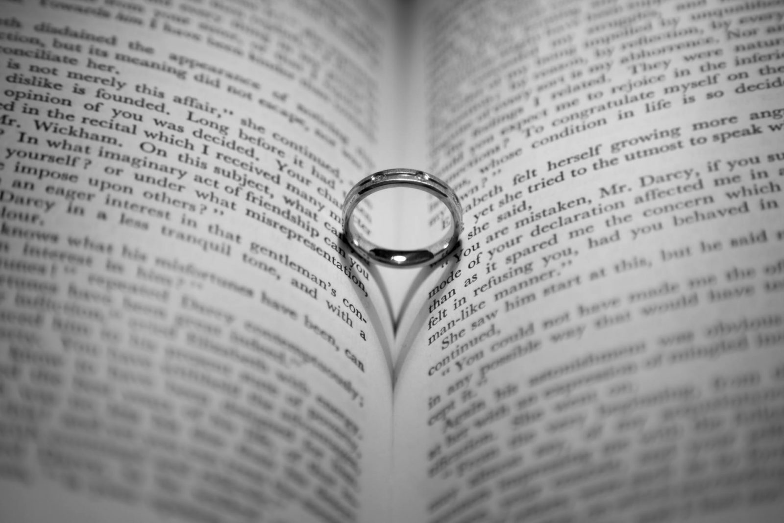 ring-casting-a-heart-shaped-1469006641nU9