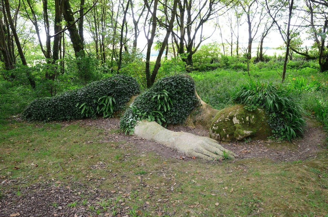 Mud Maiden sculpture at The Lost Gardens of Heligan