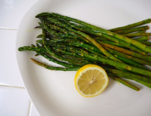 Lemony Turmeric Asparagus Recipe on Modern Stripes