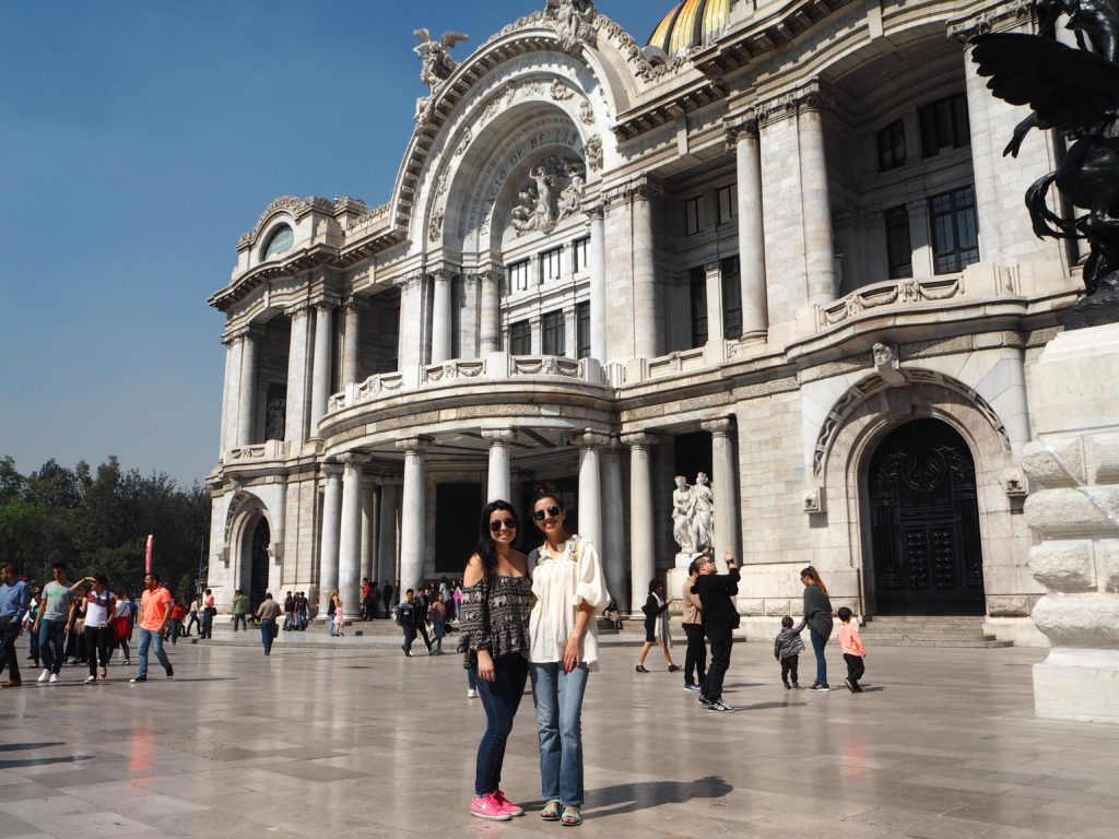 Palacio de Bellas Artes in Mexico City - Modern Stripes
