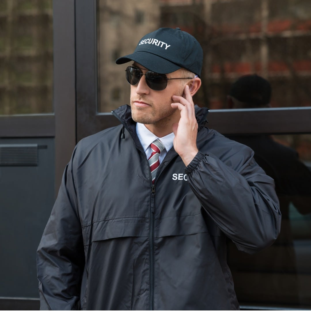 Hire a Private Security Guard Service or In-house Security – Which Is Best for Your Business?