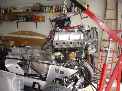 2004.09.b.engineOvercar