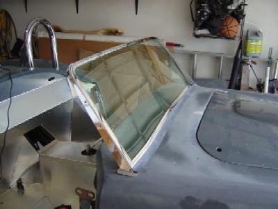 2005.03.g.windshield