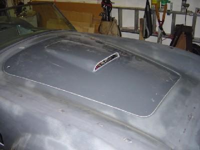 2005.03.r.hood